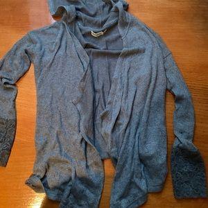 Euc Abercrombie grey hooded cardigan lace